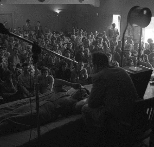 48L._Ron_Hubbard_conducting_Dianetics_seminar_in_Los_Angeles_in_1950
